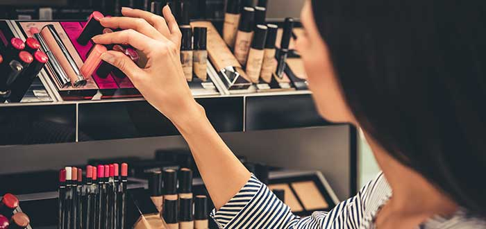 How to set up a makeup store