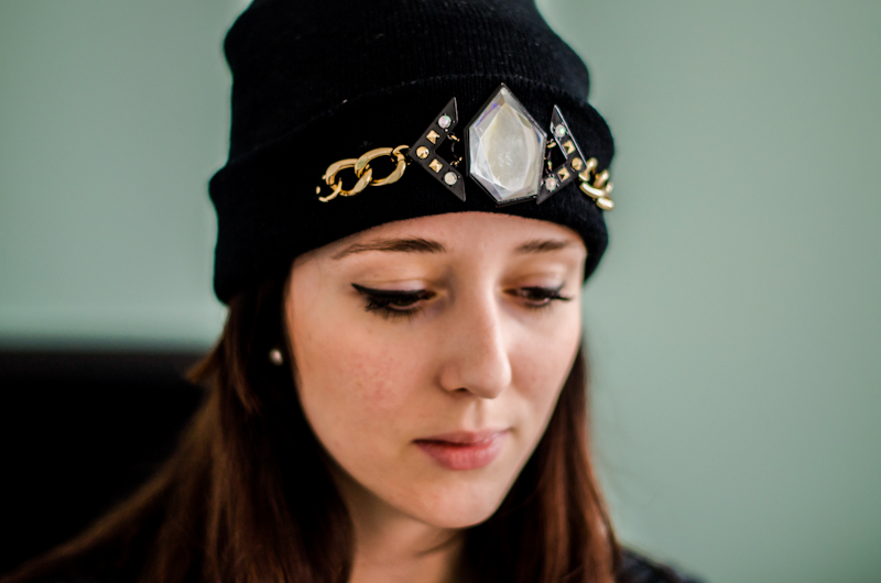 DIY-project-easy-Do-It-Yourself-customize-beanie-hat-winter-fashion-trend-3.jpg