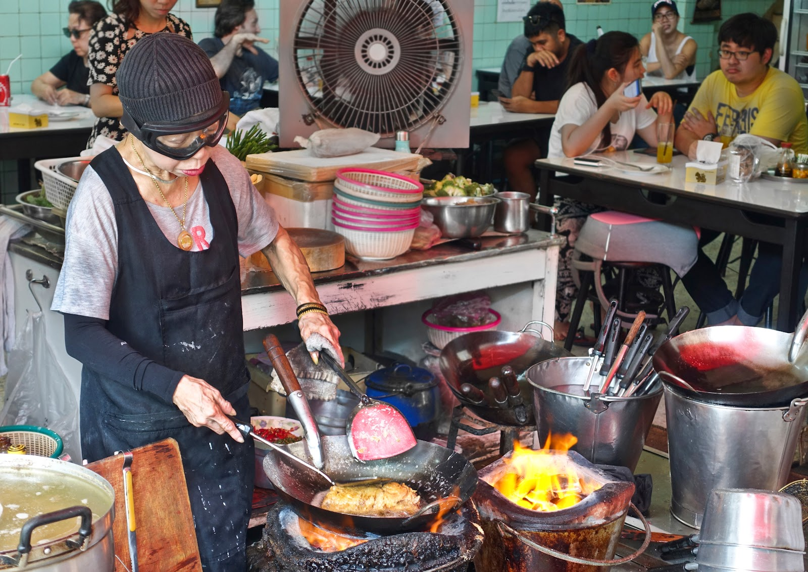 The Best Places to Eat Delicious Street Food in Bangkok ...