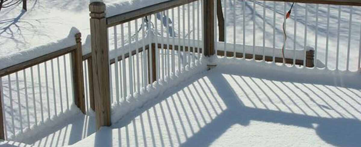 use salt to remove snow on decking