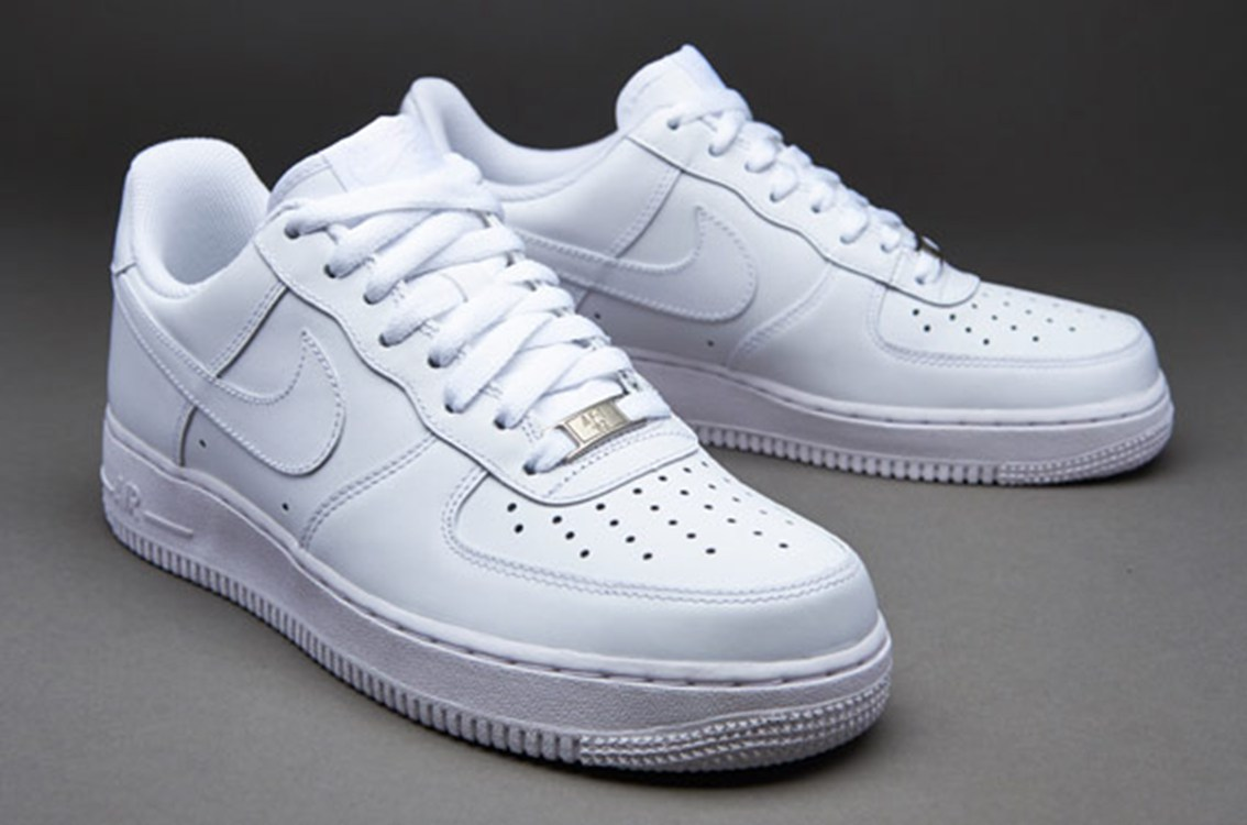 Nike 1755Nike Men Nike Air Force 1 07 Sneakers White Sneakers Discount_LRG.jpg