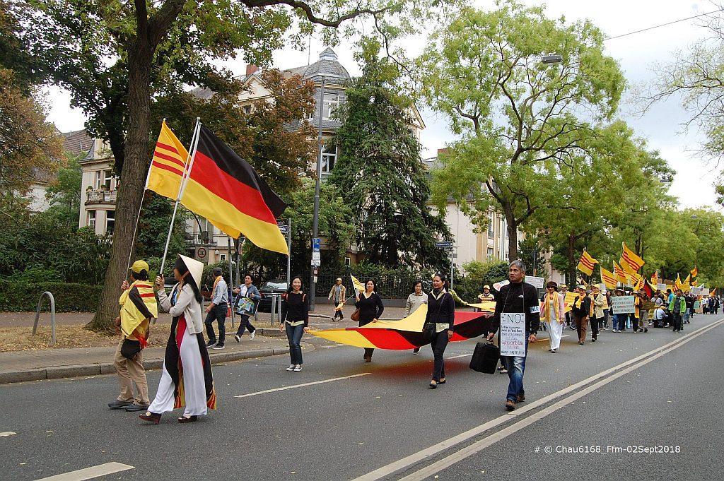 C:\1_Papi_NC\Aktivitaeten der NVTNCS in Germany\Demo in Ffm_02Sept2018\Pics selected for FB\DSC_0273-A.jpg