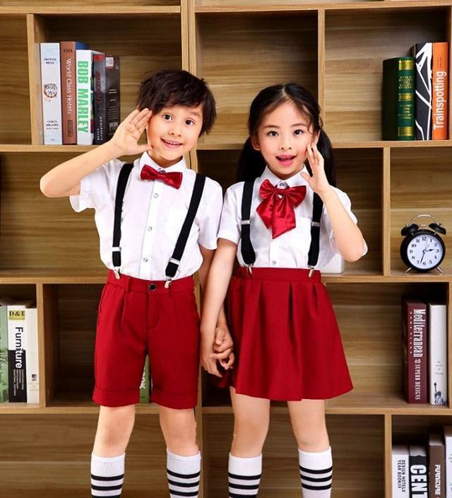 Đồng phục mầm non màu đỏ đính nơ
