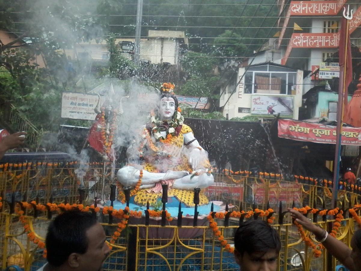 http://1.bp.blogspot.com/-7cJ_hX_JTHs/UgNZn1glDdI/AAAAAAAACr8/8SSfpsJlI80/s1600/Hridwar+Rishikesh+Neelkanth+Mahadev+Saawan+Kanwar+Yatra+Vinay+Rajput+1.jpg
