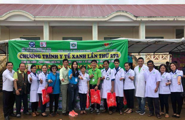 Chương trình khám chữa bệnh nhân đạo và tặng quà nhân dịp trung thu tại xã Đăk Plao