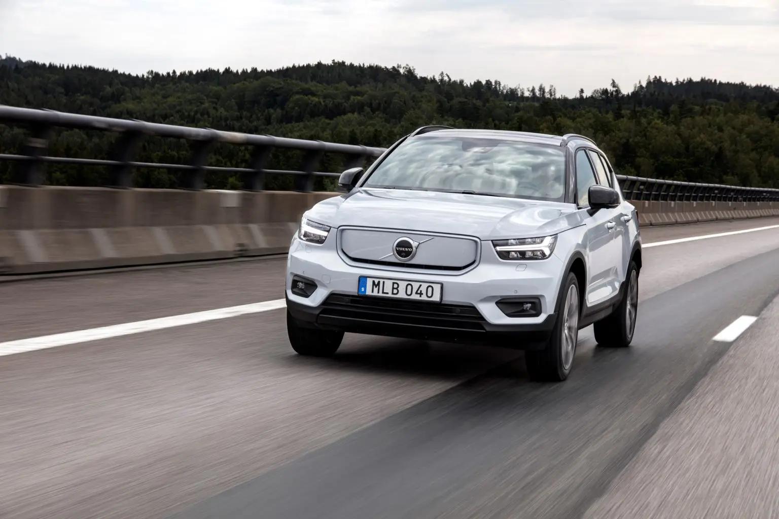 XC40 Recharge Pure Electric oferece luxo e desempenho mais acessíveis que outras marcas. (Imagem: Volvo/Divulgação)