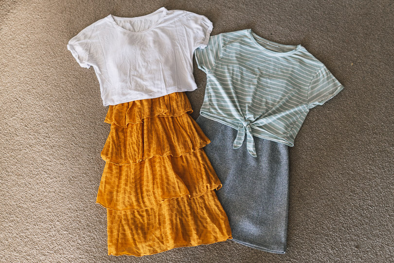 T-shirt and dress travel clothing