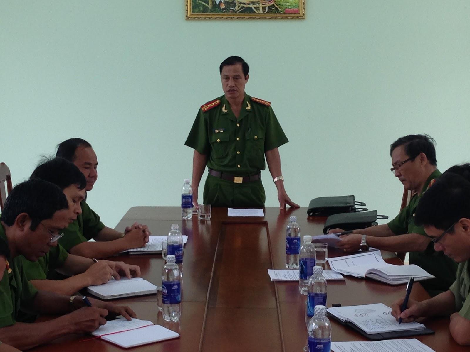 Kiểm tra công tác an toàn vệ sinh lao động phòng chống cháy nổ các đơn vị, cơ sở thuộc Công an tỉnh Kon Tum