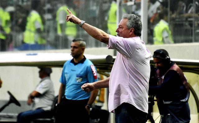 C:\Users\Carla\Desktop\Blog MULHERES EM CAMPO\Brasileiro 2018\Fluminense x Atlético-MG Independencia\Abel Braga  Foto de Mailson Santana.jpg