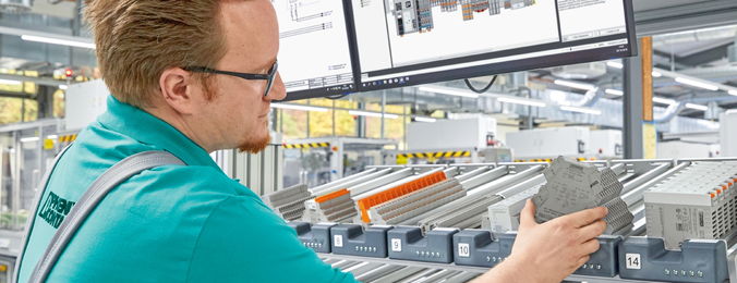 Optimized processes in control cabinet manufacturing