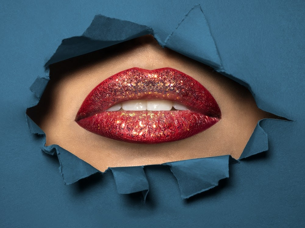 red lips photography