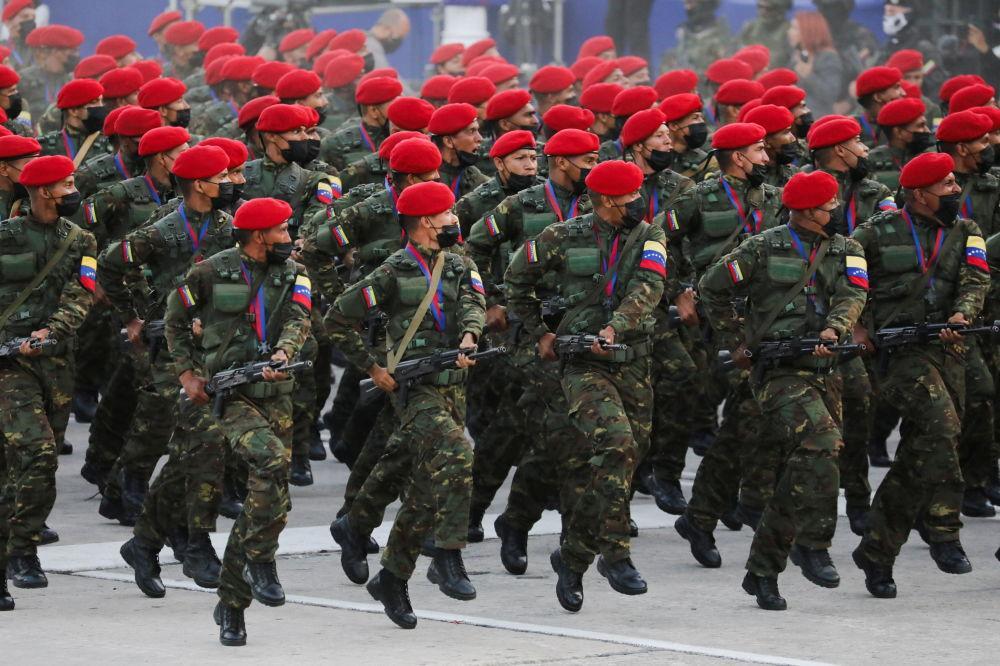رژه روز استقلال در کاراکاس ونزوئلا