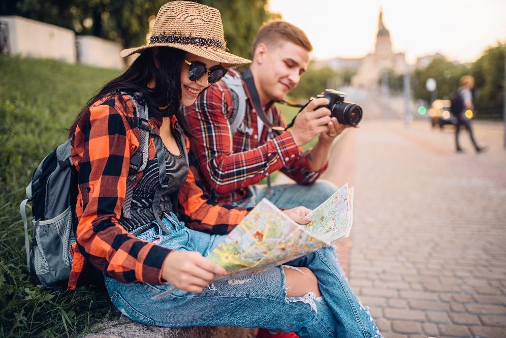 A képen személy, kültéri, fiú, fű látható  Automatikusan generált leírás