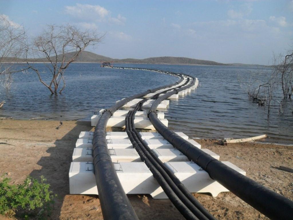 Captação de água em manancial superficial.