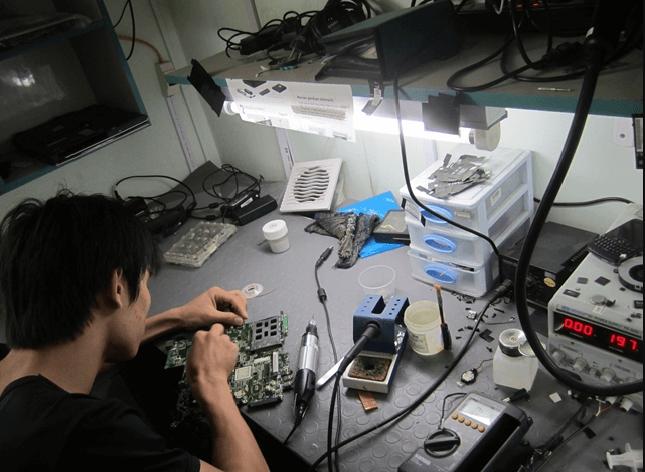 Sửa chữa các món thiết bị như camera chưa bao giờ đơn giản