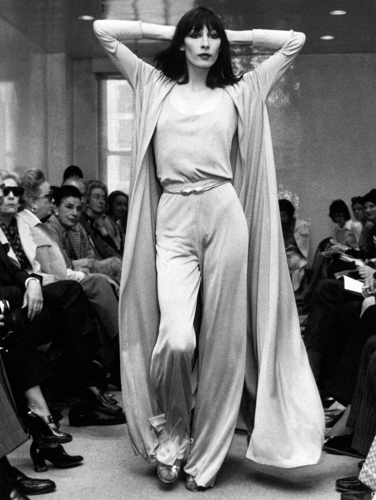 Anjelica Huston in Halston, circa 1972. Photo: Getty