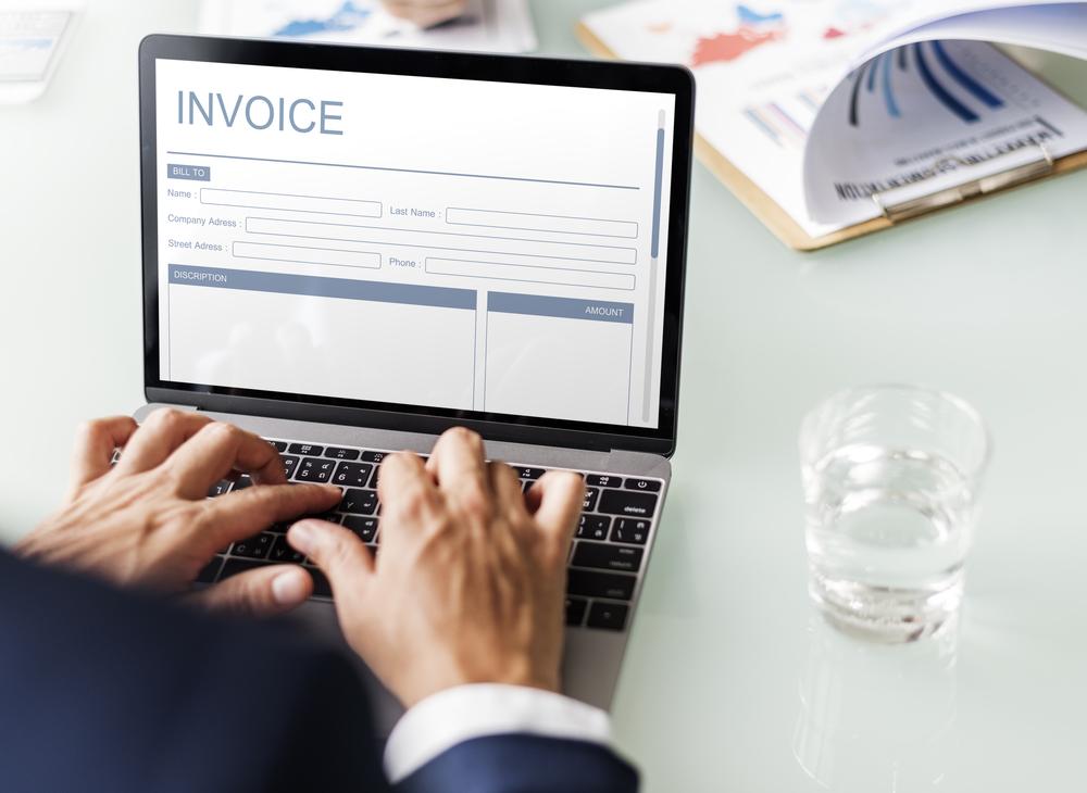 Faktur atau invoice adalah salah satu contoh dari bukti transaksi.