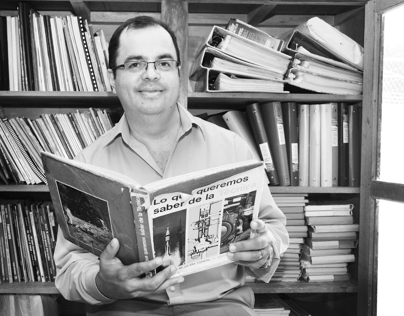 El libro donde nace el sueño de convertirse en científico se llamó: Lo que queremos saber de la técnica y se encontraba en la biblioteca de la Escuela Concepción de la Palmera en San Carlos. (Foto: Ruth Garita/OCM)