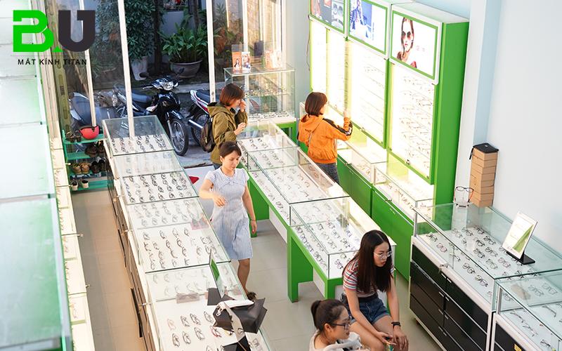 Cửa hàng kính cắt ánh sáng xanh uy tín cung cấp sản phẩm chính hãng