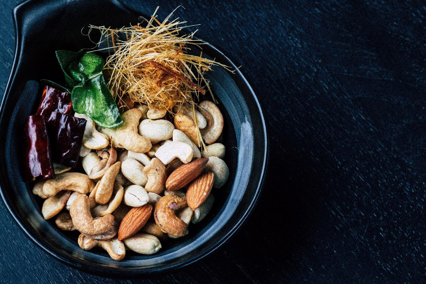 Low-carb nuts and seeds