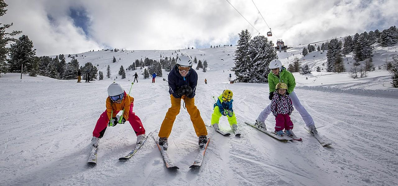 DIADHEME:WORK:MaxMarketing:KLIENTI:OW:OW Winter:2016:podklady:PR raw:Foto:AKTIV:Familienabfahrt Kreischberg 10er Gondel (c) Steiermark Tourismus - ikarus.cc.jpg