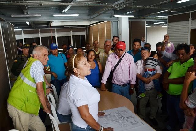 66 módulos fueron sorteados a vendedores de mercancía en el Centro Comercial del Café