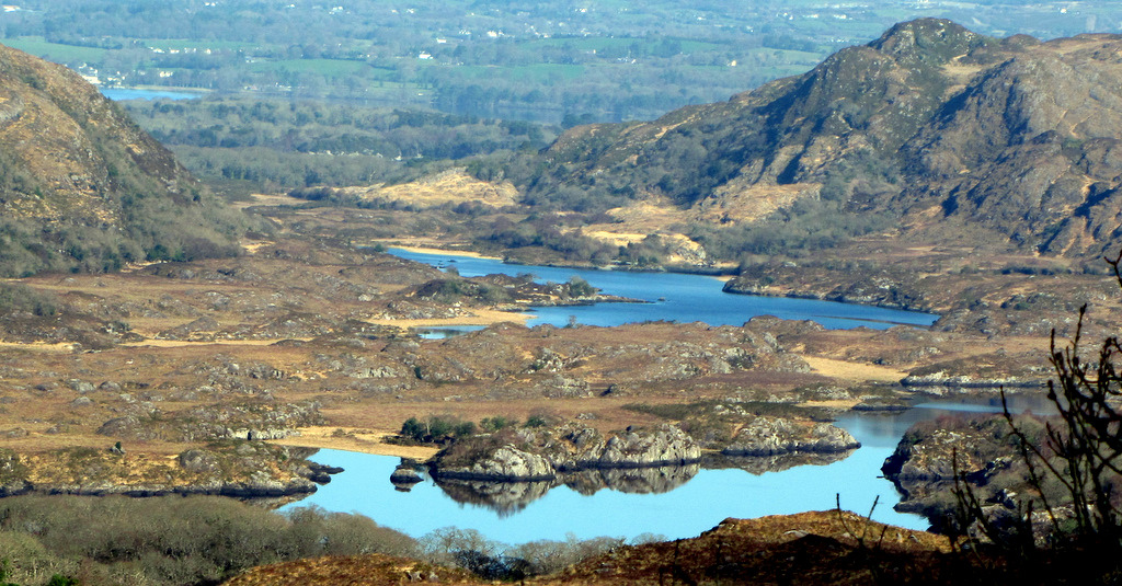 Lakes_in_Killarney_National_Park.jpg