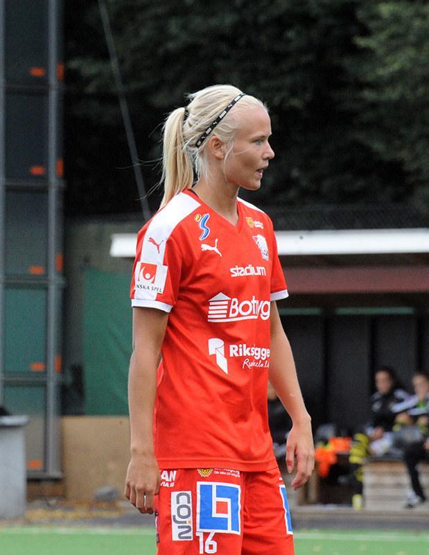 File:Pernille Harder (20745843964).jpg - Wikimedia Commons