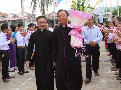 Linh mục Hoàng Anh Ngợi