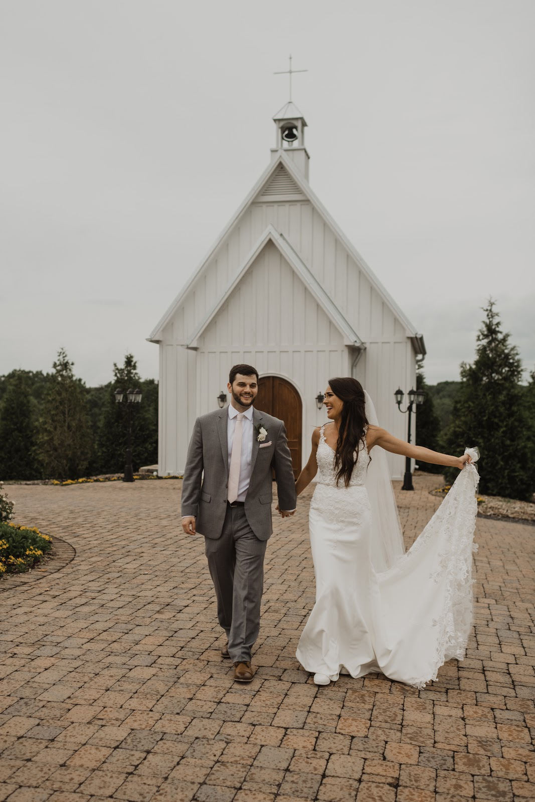howe farms barn wedding chattanooga