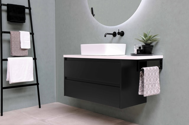 10 Tips for an Easy to Clean Bathroom Design