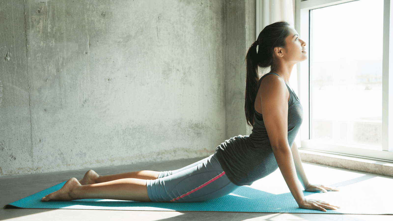 Tư thế rắn hổ mang trong yoga