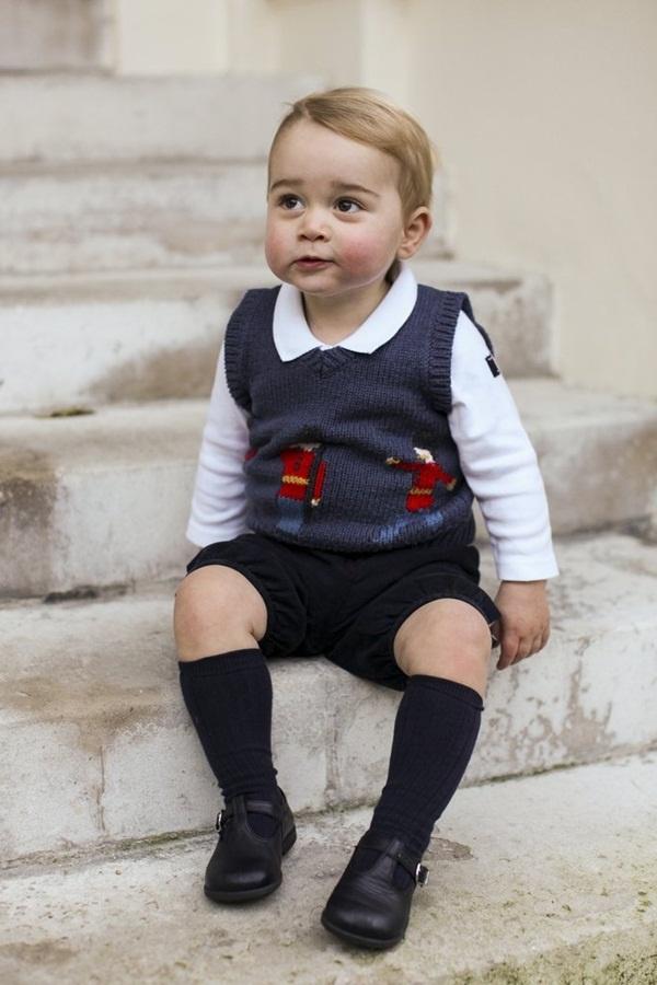 Dlaczego Brytyjska księżniczka Kate regularnie kupuje dla swoich dzieci ubrania dziecięce od tanich  - 11