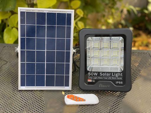 Đèn pha LED năng lượng mặt trời IP66 50W Solar Light