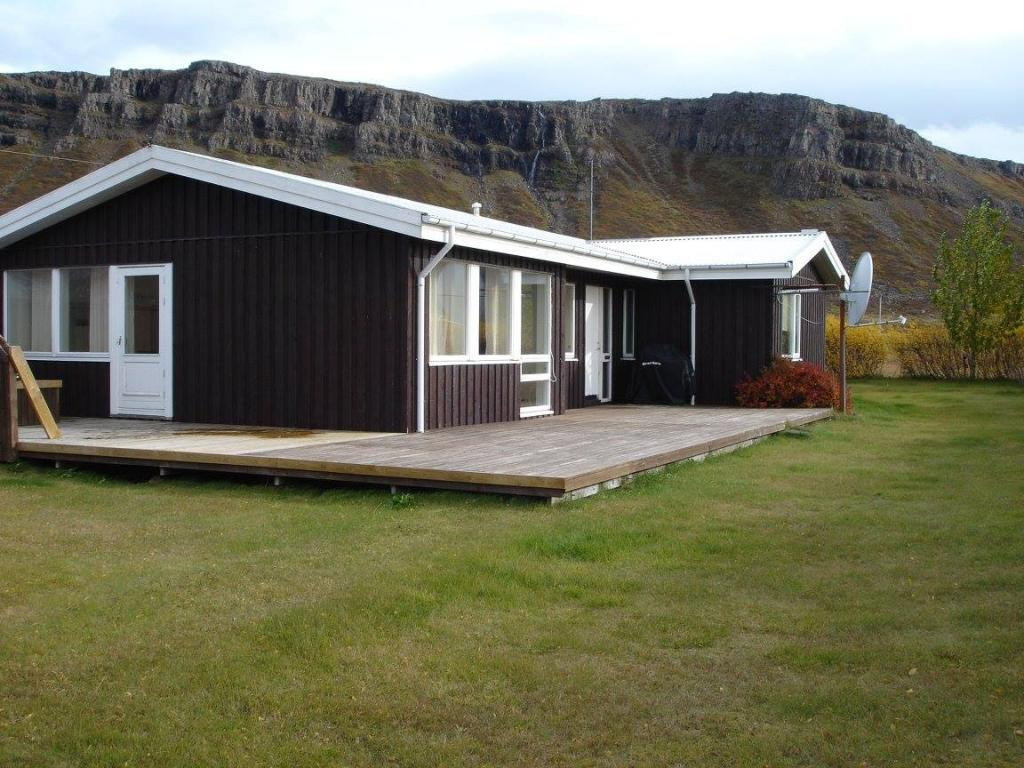 Cottage located nearby travel attraction in the west of Iceland
