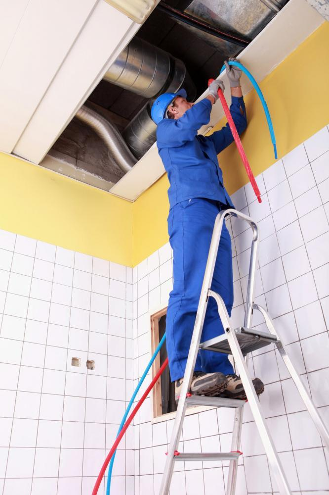 http://streaming.yayimages.com/images/photographer/phovoir/ee1a8ca45270d6f3c9e9c8a1d37e2626/plumber.jpg