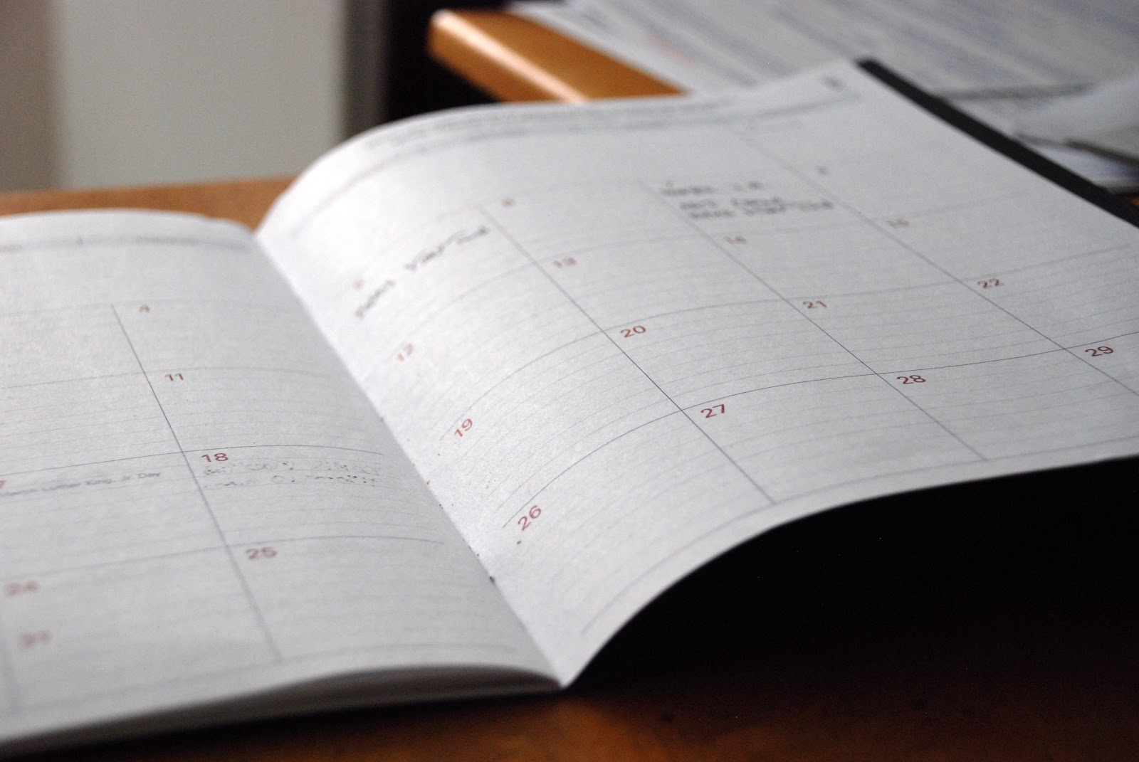 full time real estate agent schedule