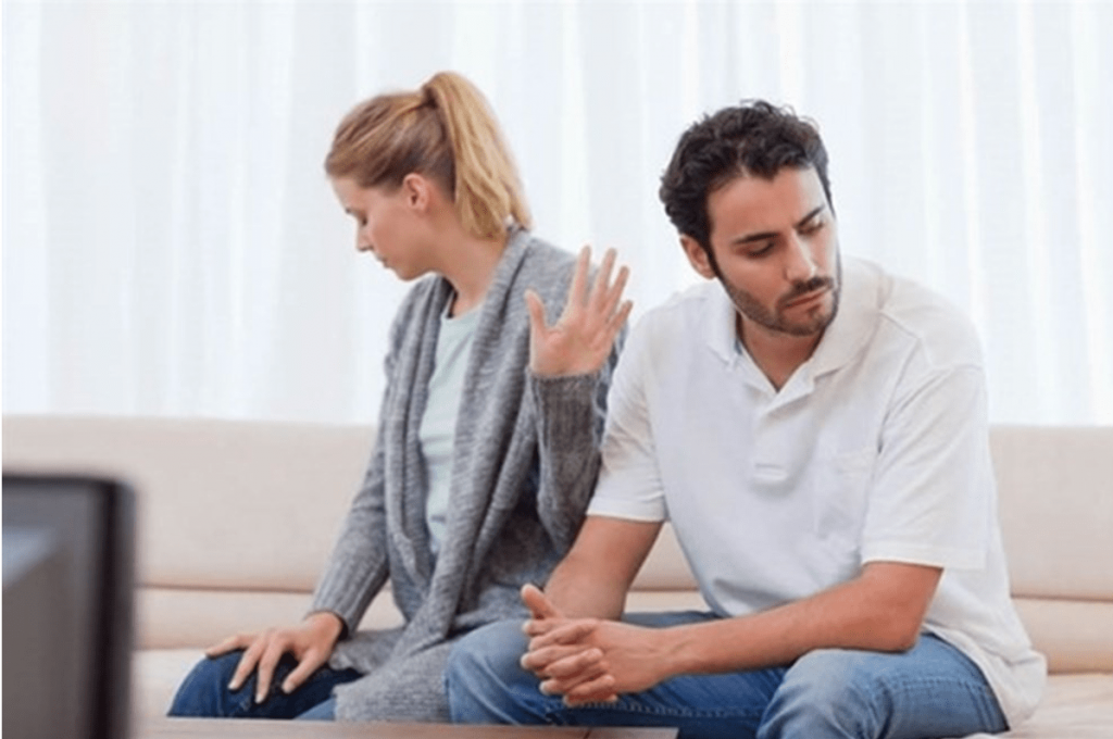 Bật mí những điều nên làm khi biết chồng bên ngoài có con riêng