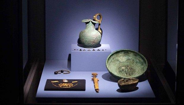 Экспонаты выставки КРЫМ, ЗОЛОТО И ТАЙНЫ ЧЕРНОГО МОРЯ в музее Aлларда Пирсона в Амстердаме, август 2014