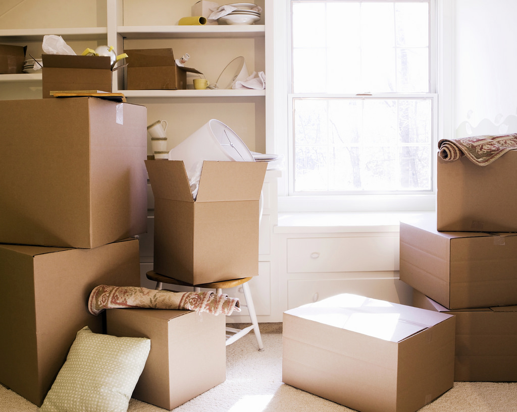 TE-BLOG_-Moving-day-boxes_-08_23_2011_iStock_000008388519M… | Flickr