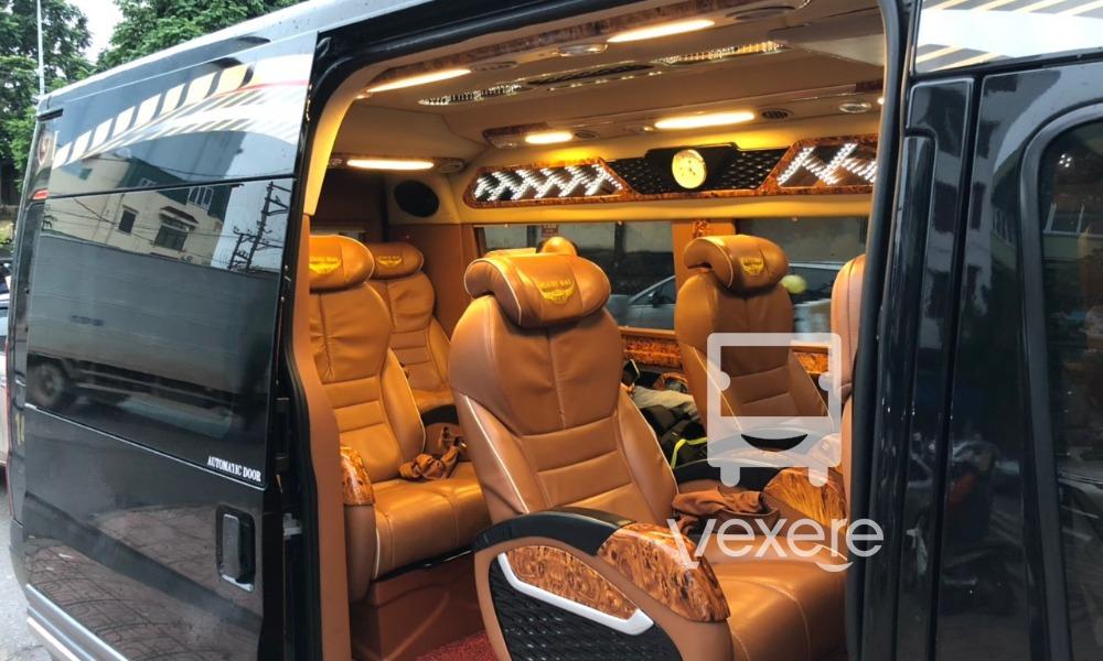 Nội thất xe Minh Hiếu Limousine đi Hải Phòng từ Quảng Ninh
