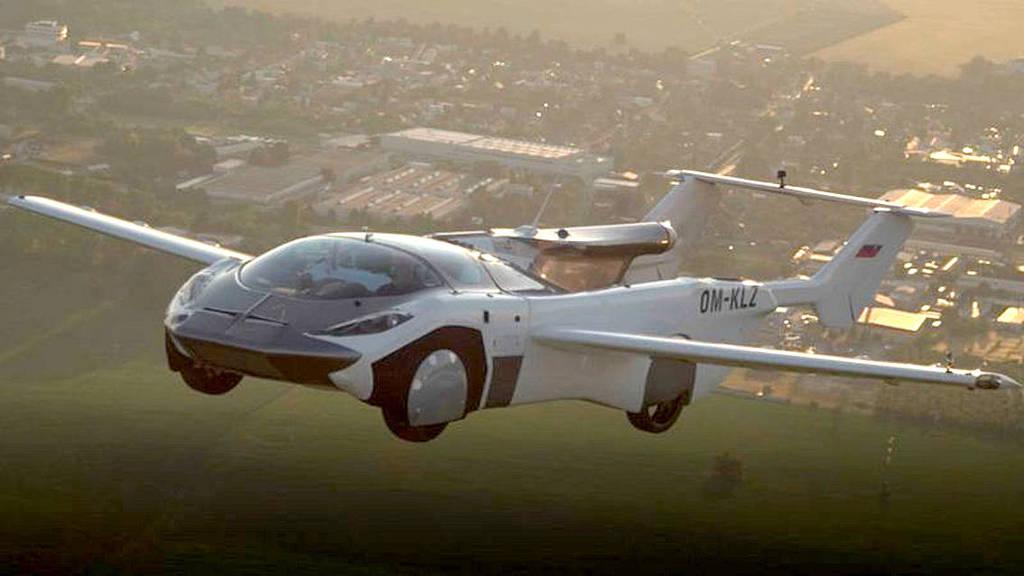 Imagem mostra o protótipo de carro voador voando
