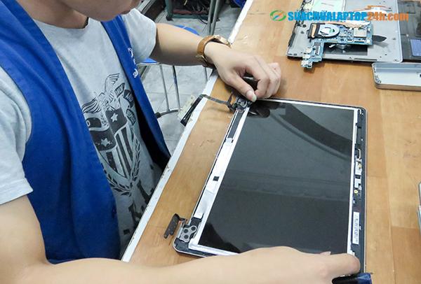 sua-chua-thay-the-linh-kien-laptop-1