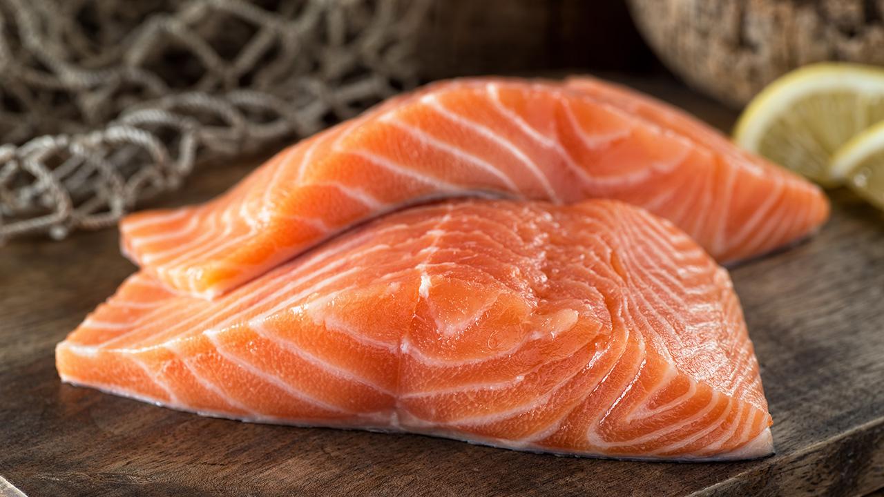 4. ปลาแซลมอน