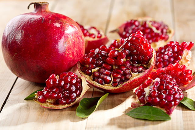 3. ทับทิม (Pomegranate)