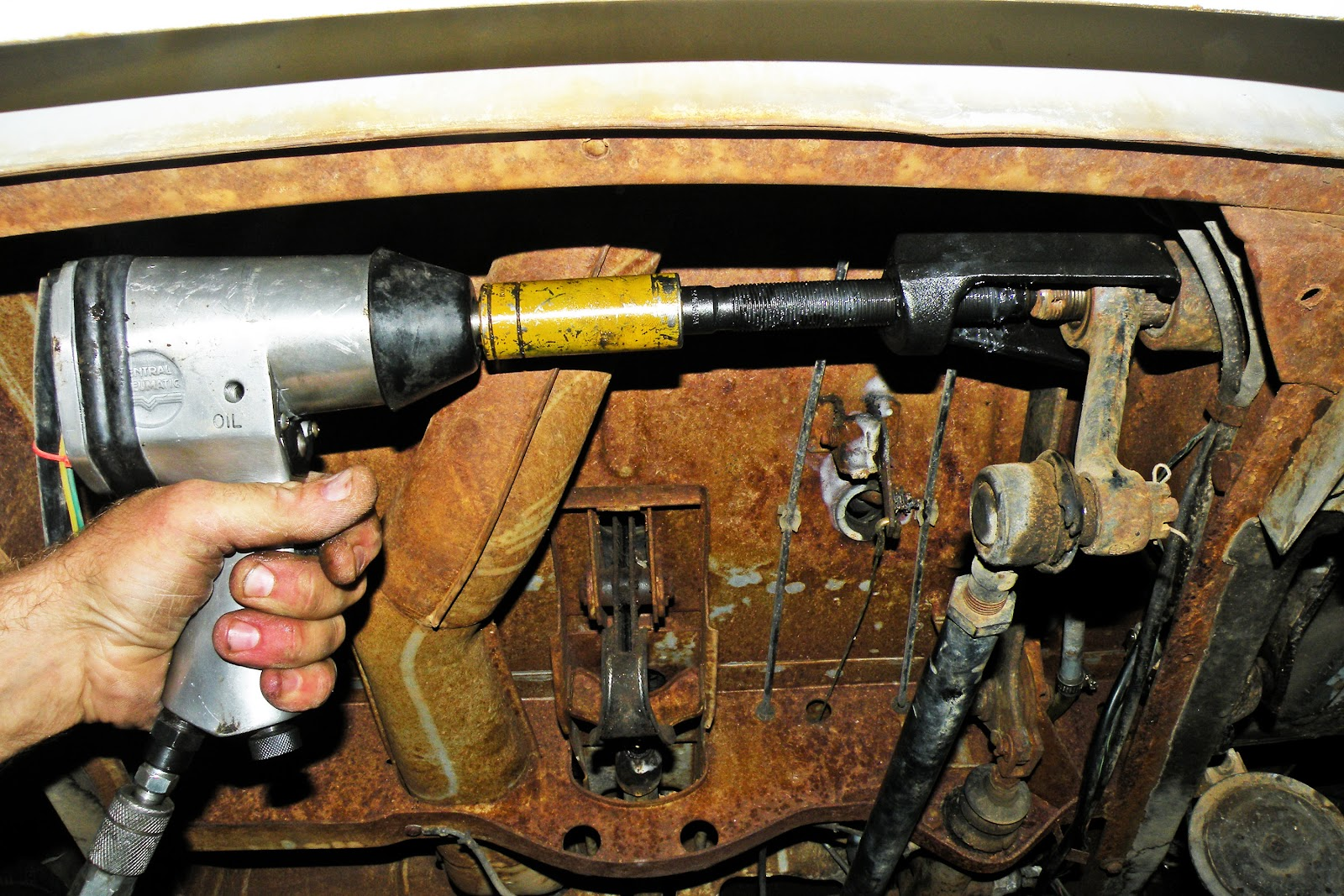 68-72 VW Bus Steering Box Removal & Installation
