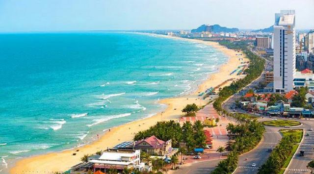 Đà Nẵng nổi tiếng với chợ đêm Helio và bãi biển Mỹ khê