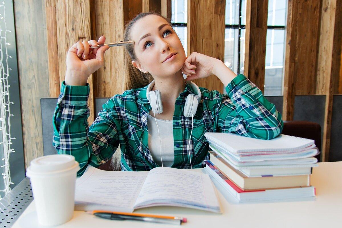 Copilul tău este acum în perioada adolescenței? Aprofundarea limbii engleze îi va oferi o șansă mai bună în viață!