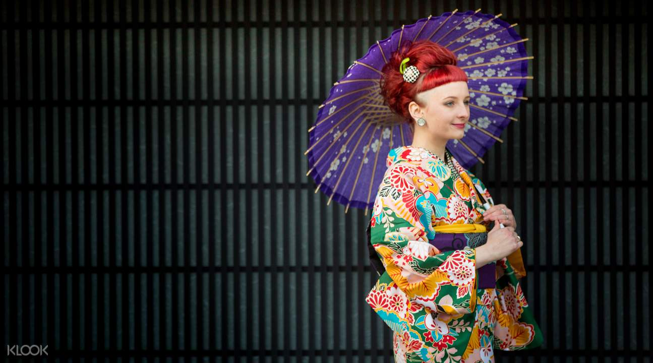 Foreigner dress up in a kimono