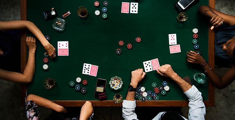 如何玩德州扑克